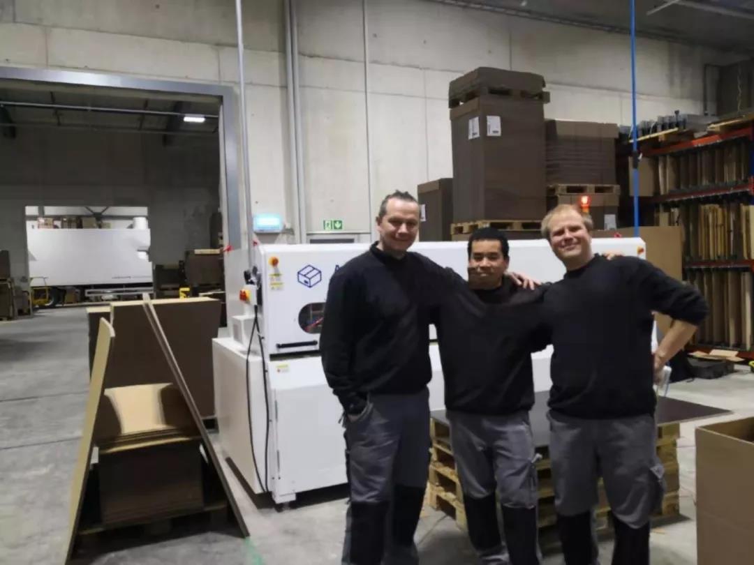 Swiss box machine